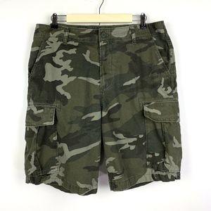 Old Navy Mens Broken In Camo Cargo Shorts Green